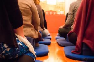 No Centro Shambhala praticamos e ensinamos Shamatha e Vipassana, meditação de atenção plena (mindfulness) e consciência panorâmica - ensinamentos inspirados na linhagens Kagyü e Nyingma do Budismo Tibetano e na visão de Shambhala de viver uma vida alegre, plena, e engajada no mundo.